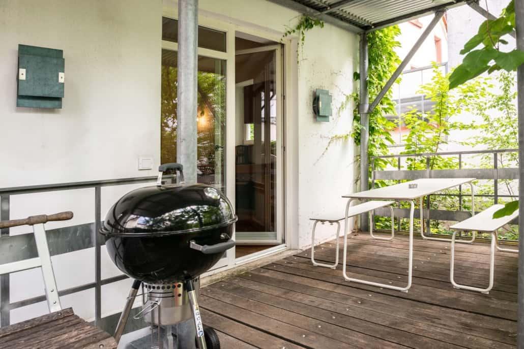 Balkon vor Küche